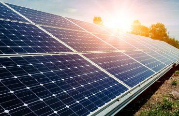 Como funciona a instalação de painéis fotovoltaicos